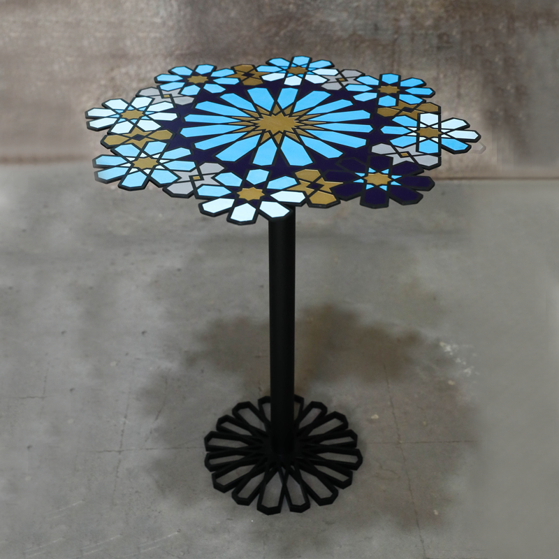 SHIRINE TABLE | METAL | ENAMELING FINISH | BLACK & WHITE