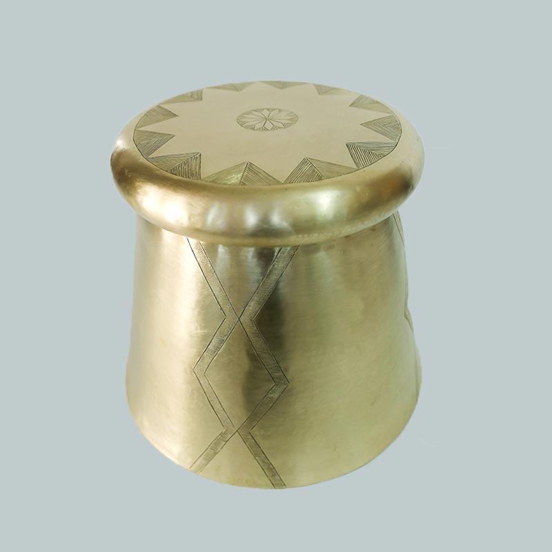 de-table-stool-_-brass-gold